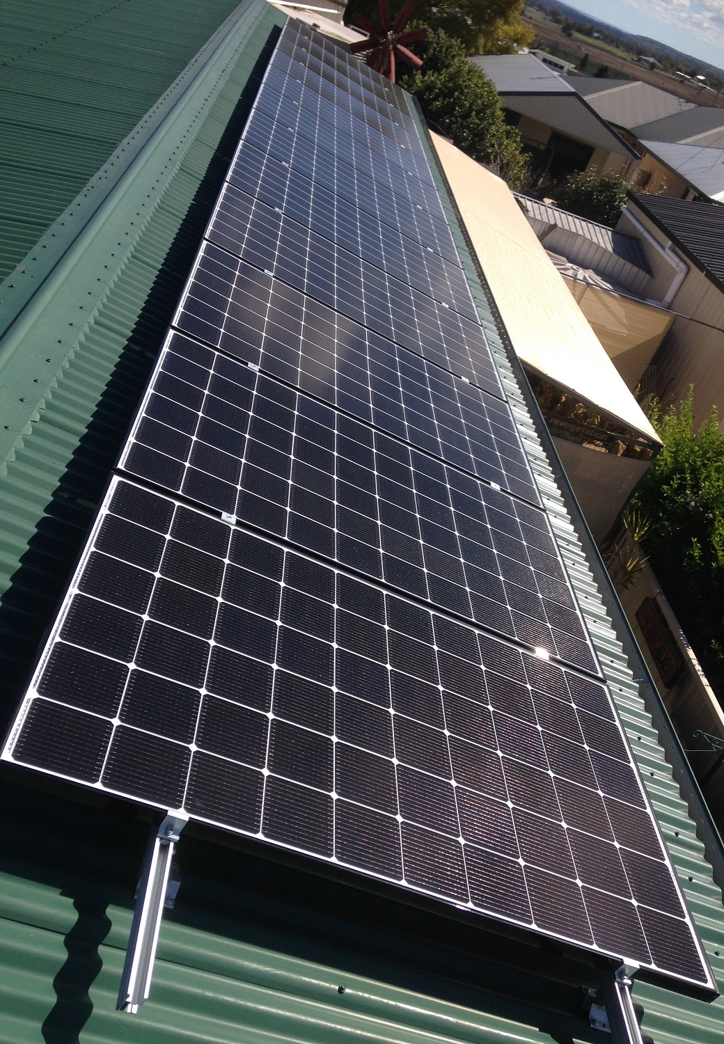 We have installed solar power systems in all areas of Toowoomba, the Darling Downs and Golden West. The Pittsworth owner of this 3.78kW system of 315W Noen2  panels is very happy with both the performance and appearance of this system.