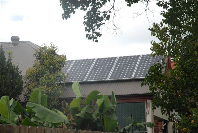 How much solar power do systems generate? What affects the